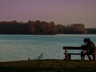 Amoureux sur un banc – Miribel